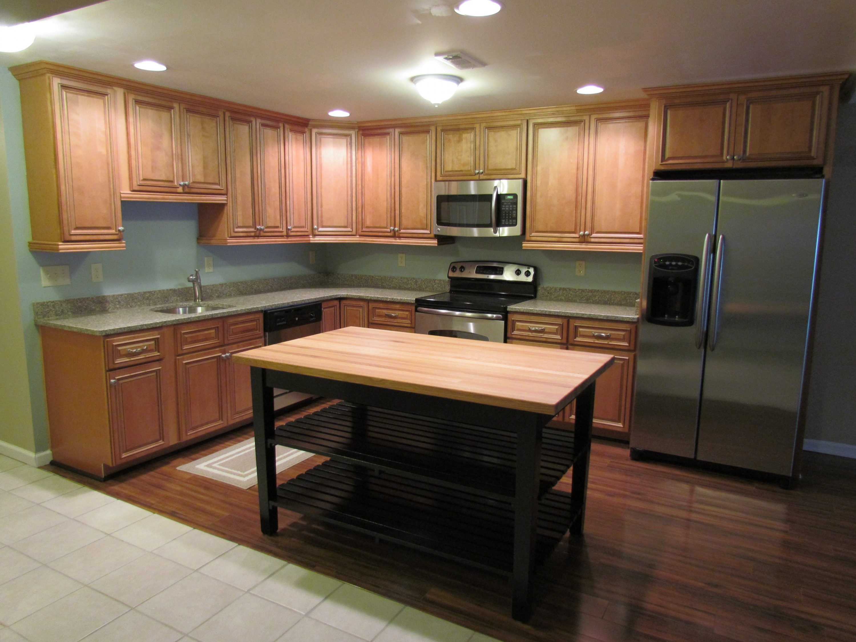 Finished Basement To Rent kitchen