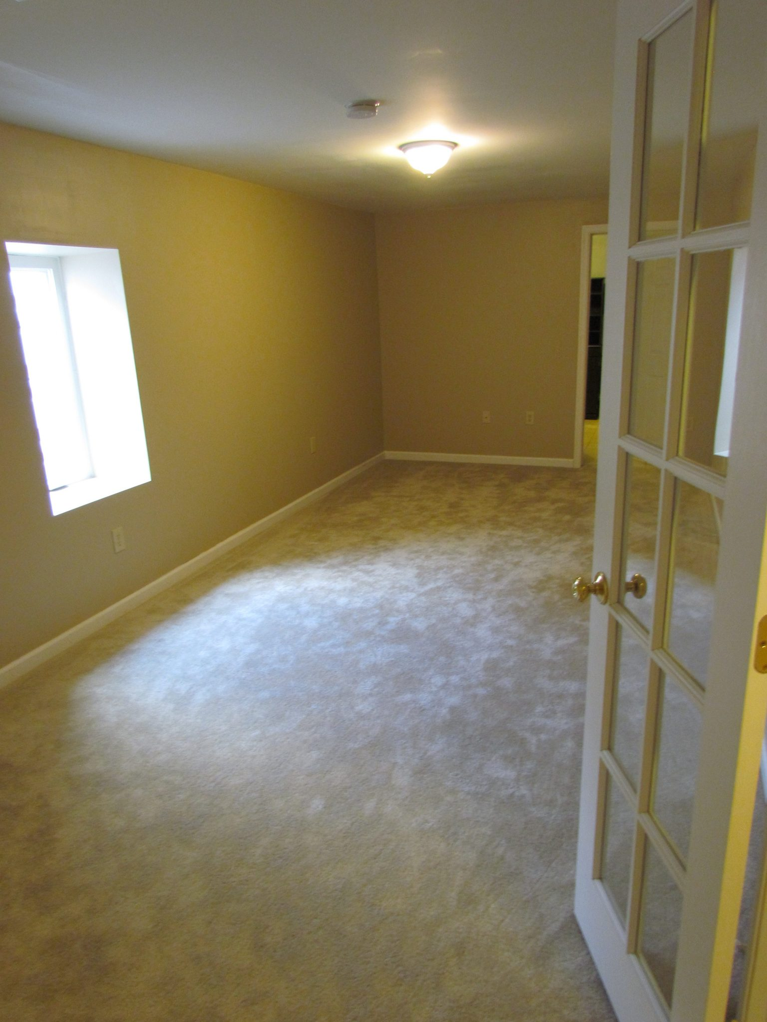 Finished Basement To Rent center room