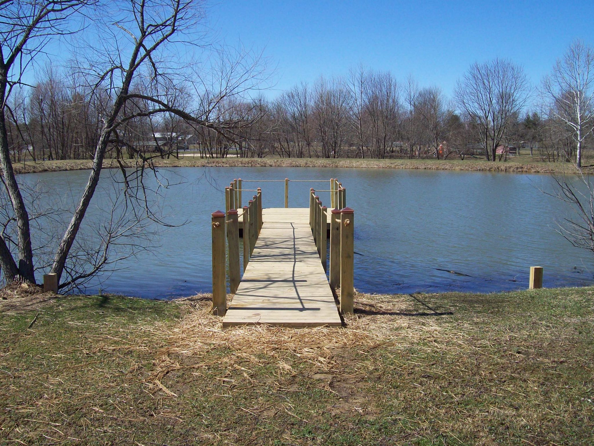 Woodsboro Park - Floating Pier front