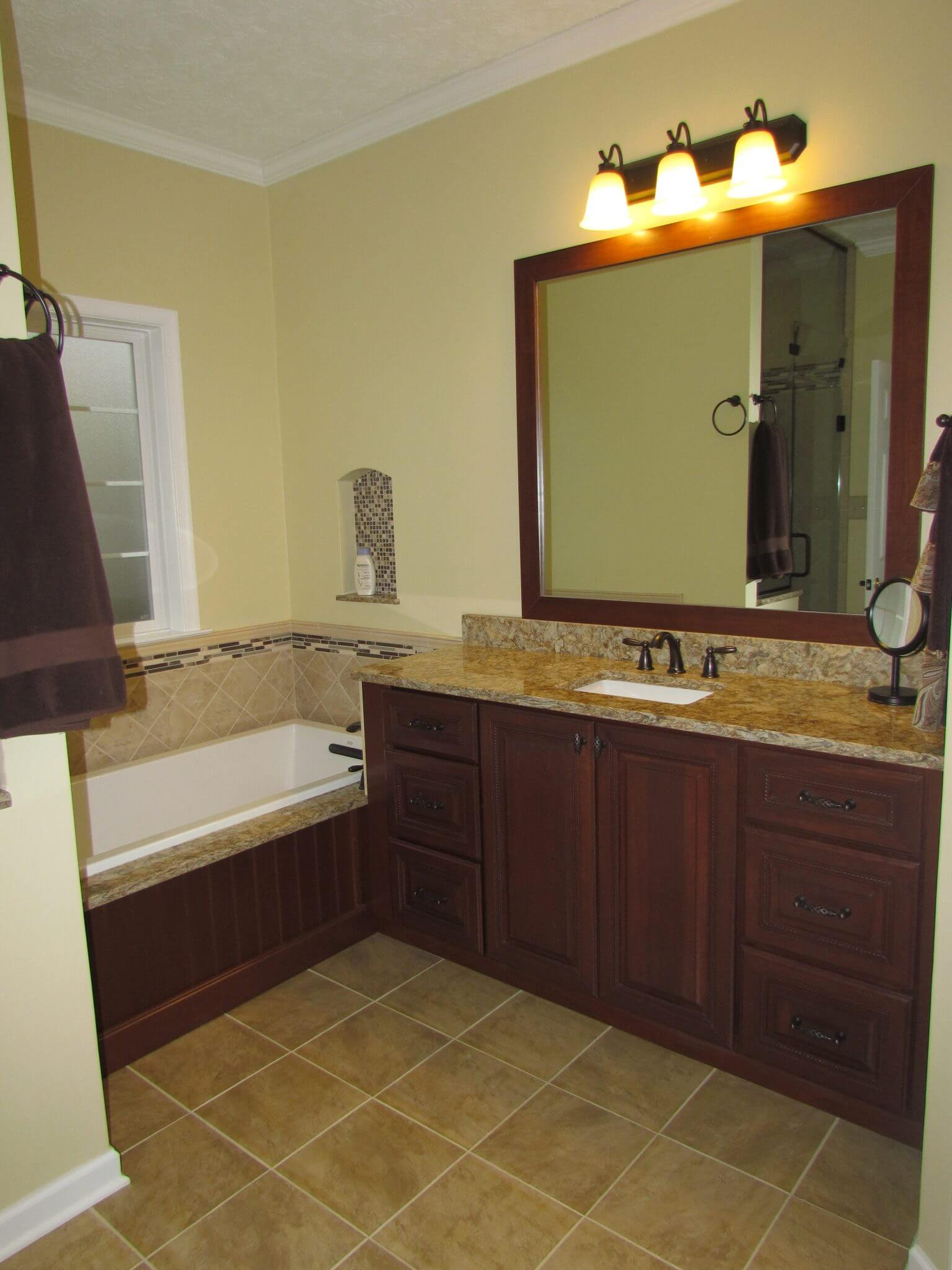 Master Bathroom En Suite bathtub and sink