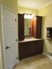Master Bathroom En Suite vanity