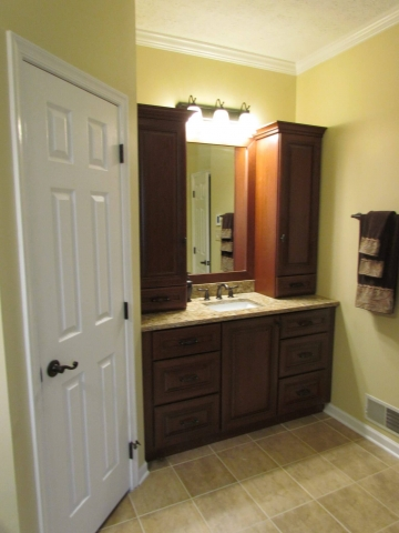 Master Bathroom En Suite vanity