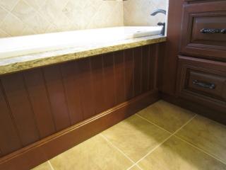 Master Bathroom En Suite bathtub