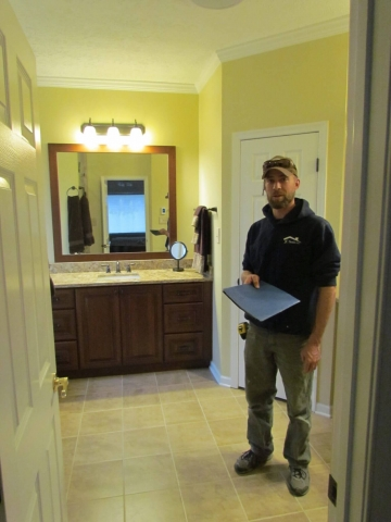 Master Bathroom En Suite worker