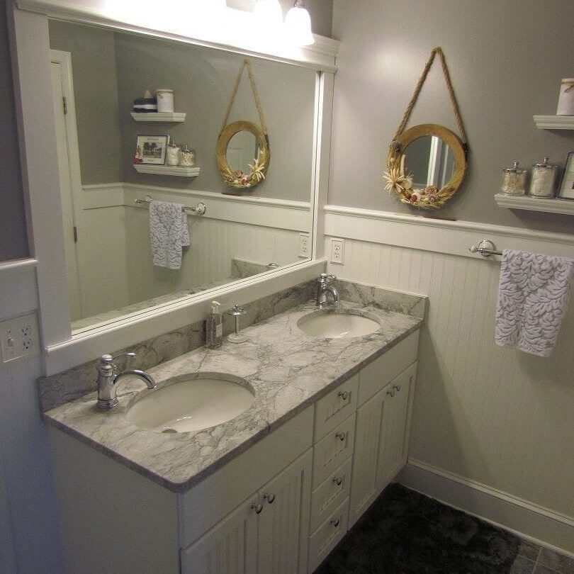 Hall Bathroom with a Beachy Feeling main image
